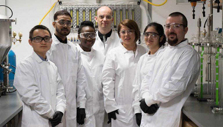 Cigdem and her lab team