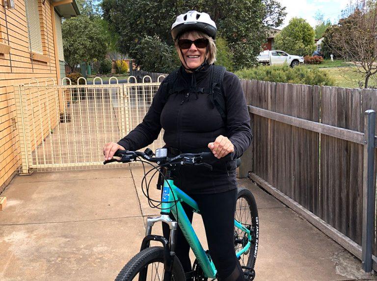 Nelly Oelke and her commuter bike in Australia